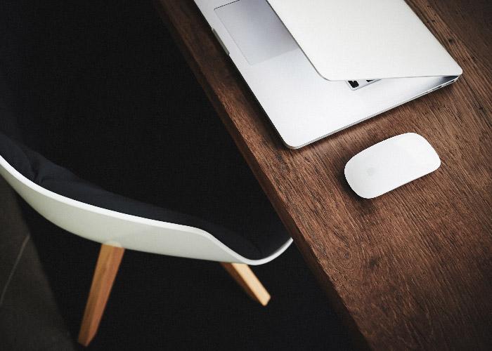 Schreibtisch goldblau